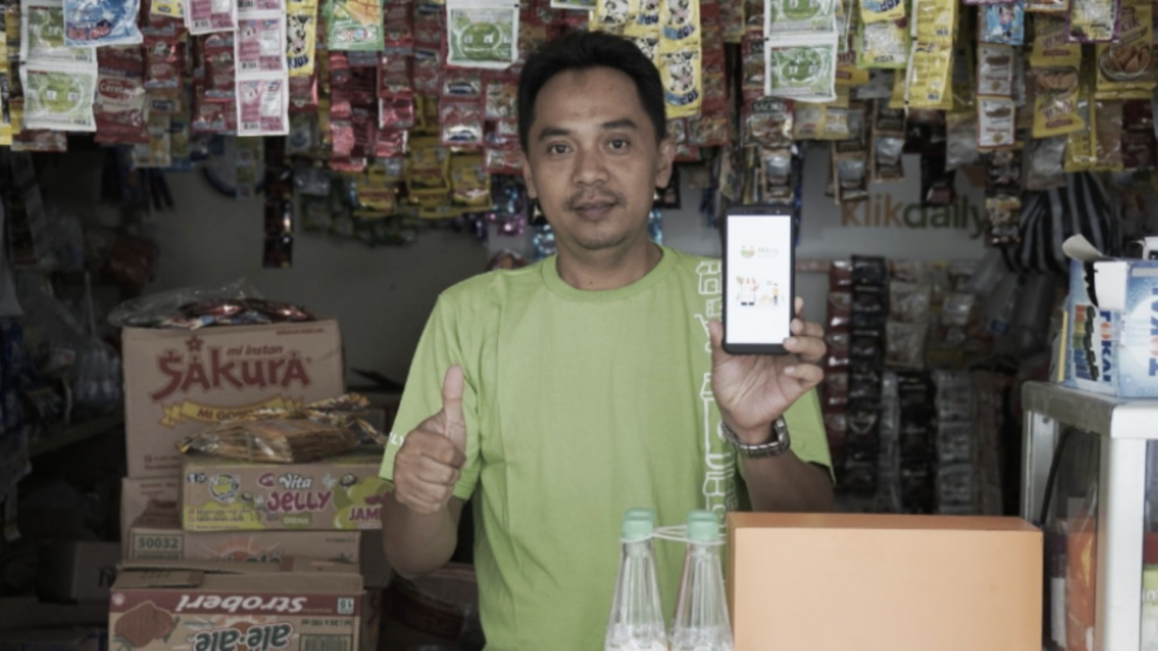 FMCG supply chain solution KlikDaily simplifies life for mom-and-pop stores in Indonesia