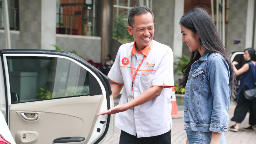 Oper Indonesia:  On-demand drivers give car owners a break from endless traffic jams
