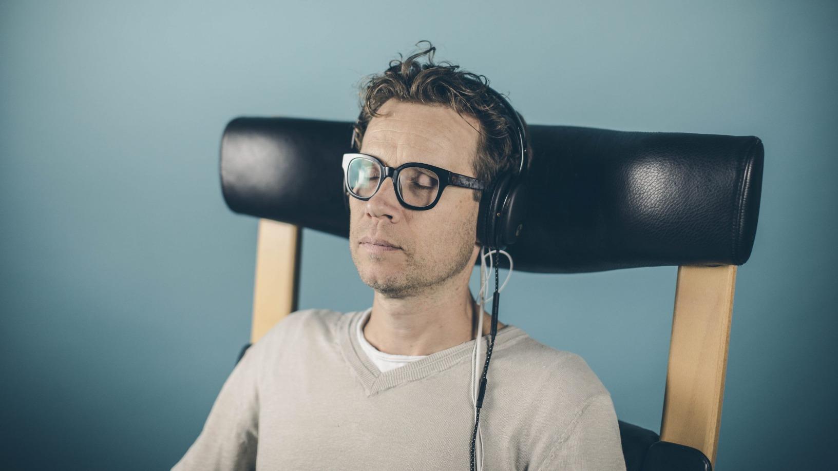 AlphaBeats: a 10-minute music playlist to de-stress your brain using biofeedback