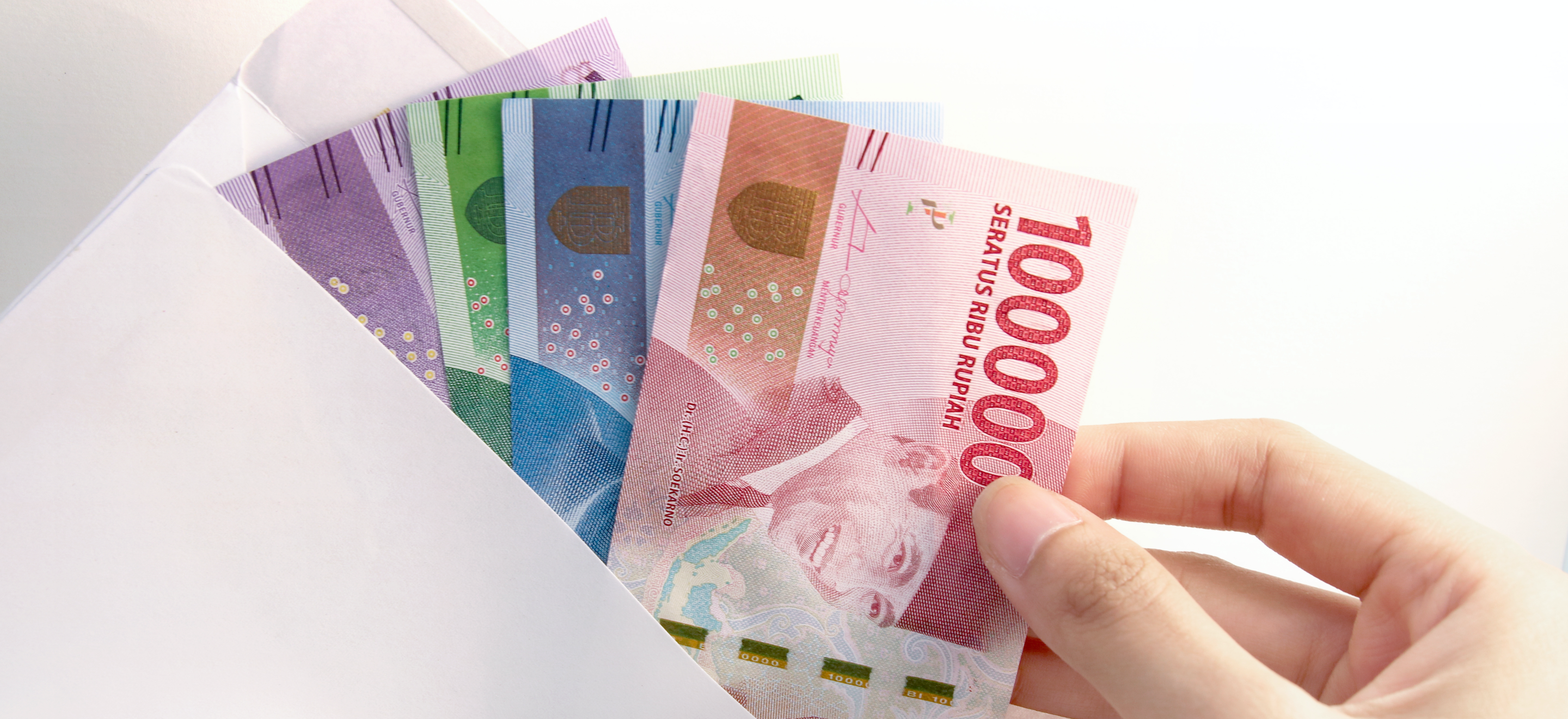 Indonesian fintechs plug payday gaps, help workers stay away from loan sharks